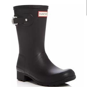 Hunter black rain boots sz 6 US  used has scuffs